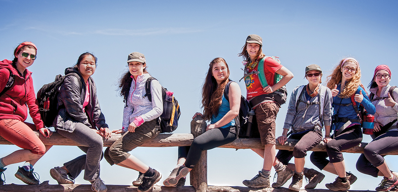 Aro voyages: Groupes soclaires voyage humanitaires, coopération internationale, aventures et culturels et communautaires